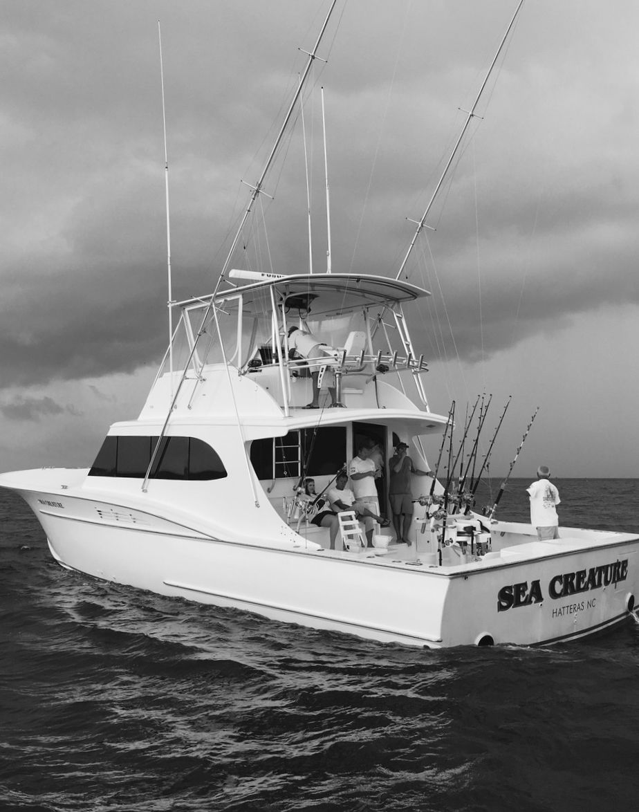 Boat and crew sportfishing in hatteras village nc sea for Hatteras fishing boat
